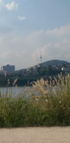 seoul-tower-han-river